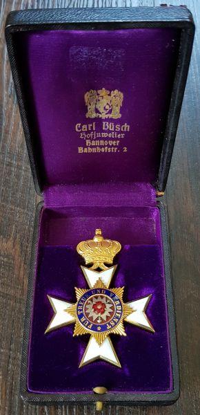 Schaumburg-Lippe, Hausorden Offizier-Ehrenkreuz mit Etui